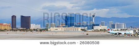 Las Vegas, nv Mär 4: Mccarran Flughafen und Vegas Skyline am März 4, 2010 in Las Vegas, Nevada. MCC
