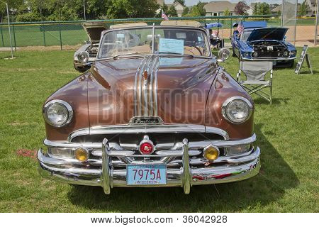 1951 Pontiac Chieftain Front View