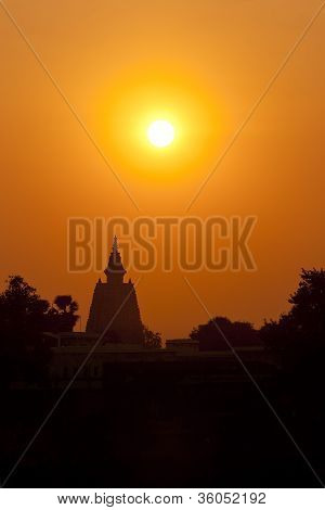 Sunset silhouette of Mahabodhi Temple