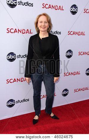 LOS ANGELES - MAY 16:  Kate Burton arrives at