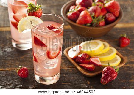 Gelo refrescante limonada de morango gelada