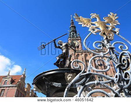 Neptun-Brunnen und Rathaus In Gdansk, Polen