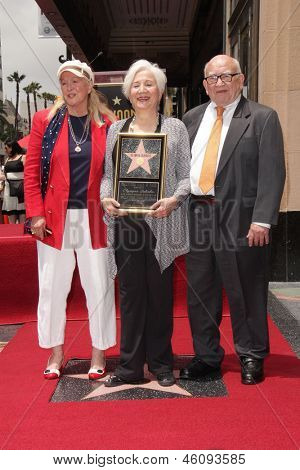LOS ANGELES - MAY 24:  Diane Ladd, Olympia Dukakis, Ed Asner at the ceremony bestowing Olympia Dukakis with a Star on the Hollywood Walk of Fame on May 24, 2013 in Los Angeles, CA