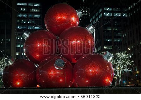 Giant Christmas Ornaments In Nyc