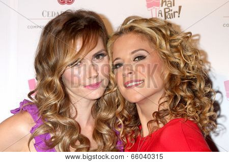 LOS ANGELES - MAY 31:  Brianna Brown, Alexis Carra at the