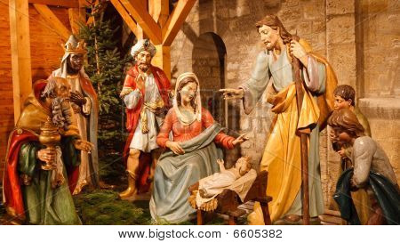 Christmas Nativity Scene - Baby Jesus, Mary, Joseph & Three Wise Men