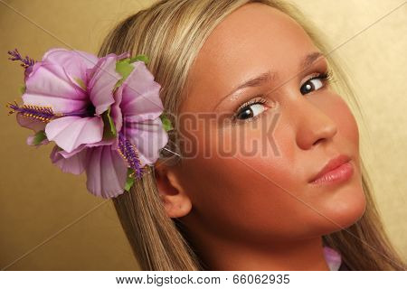 Summer/hawai girl on gold background