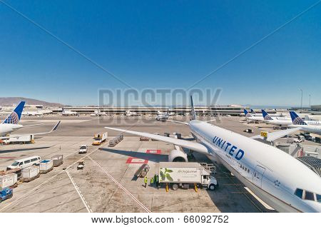 : United Airline Boeing 767-322 at San Francisco International Airport