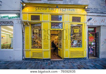 Street scene in Marais, Paris