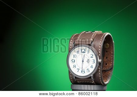men's watches with wide leather bracelet