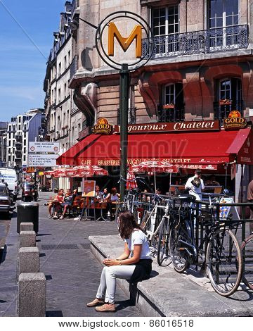 Pavement cafe, Paris.