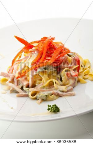 Tagliatelle with Sliced Meat and Vegetables
