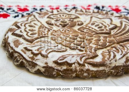 Gingerbread printed in white towels with hand-embroidered