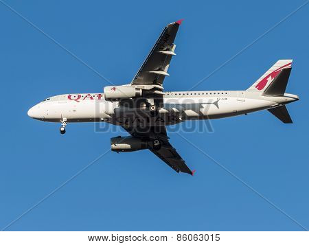 Airbus A320 Passenger Aircraft, The Airline Qatar Airways