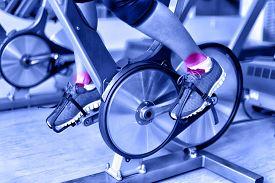 image of monochromatic  - Sports injury  - JPG