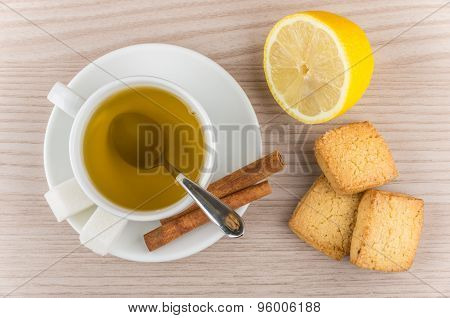 Hot Green Tea, Sugar And Cinnamon, Lemon And Shortbread Cookies