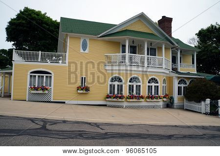 Yellow Mansion