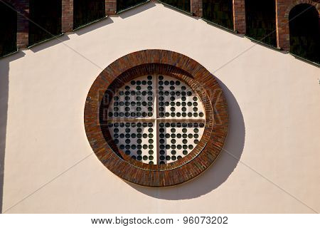 Rose Window  Lombardy     In  The Castellanza  Old   Church   Closed Brick   Tower   Tile