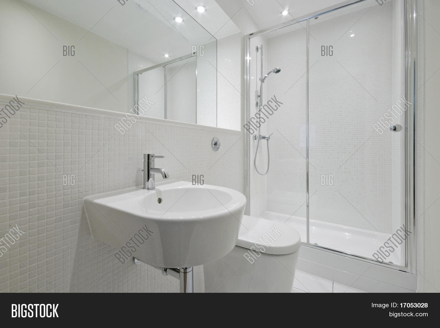 Modern White Mosaic Tile Bathroom Frieze - Bathroom with Bathtub ...