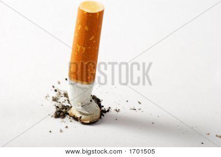 Trozo de cigarrillo