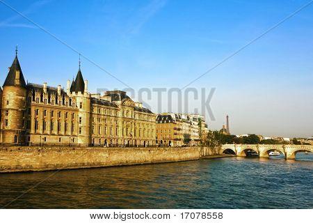 la Conciergerie Paris la seine  riverside Pont Neuf franc