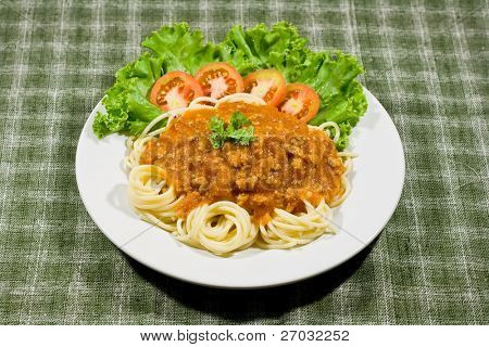 Spaghetti with tomato sauce and persil