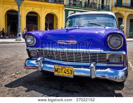 Havanna-SEPTEMBER 13:Old Chevrolet September 13,2012 in Havana.Thousands dieser Autos werden immer noch verwendet.