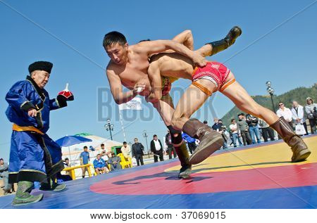 ULAN-UDE, RUSSIA - SEPTEMBER 15: Cultural program of the Baltic Economic Forum. Show of young athletes in the national struggle