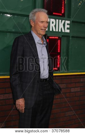 LOS ANGELES - 19 de setembro: Clint Eastwood chega à Premiere de Los Angeles de