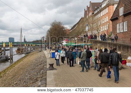 Bremen - April 27: Unknown Shopping People At A Street Market Near The River Weser On April 27, 2013