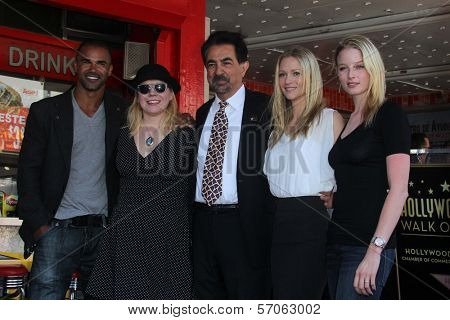 Shemar Moore, Kirsten Vangsness, Joe Mantegna, A.J. Cook, Rachel Nichols at Joe Mantegna's induction into the Hollywood Walk Of Fame, Hollywood, CA, 04-29-11