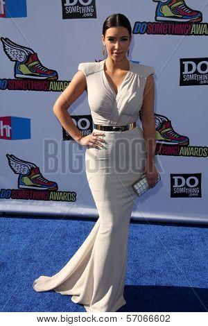Kim Kardashian at the 2011 VH1 Do Something Awards, Hollywood Palladium, Hollywood, CA 08-14-11