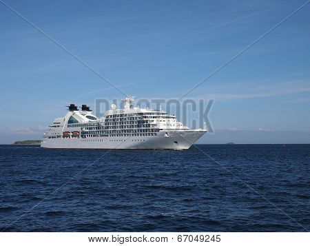 Seabourn Quest - Cruise Ship