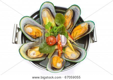 sea mussel and lemon grass soup