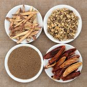 pic of licorice  - Licorice chinese herbal medicine including powder - JPG