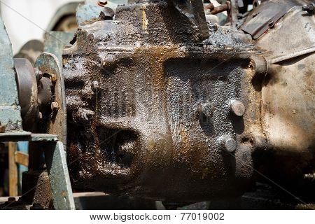 Leaked Engine Oil