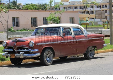 Old Fashioned cuban Car