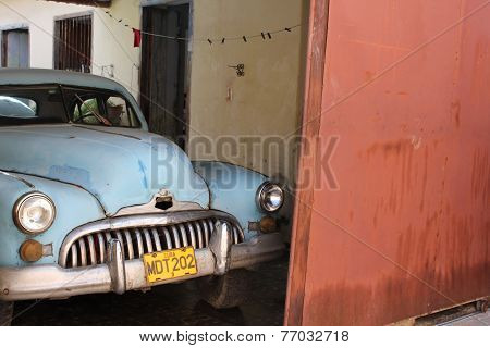Old-fashioned Cuban Car