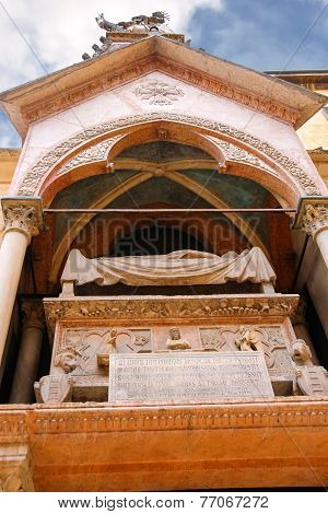 Scaliger Tombs - Gothic Tombstones Of Three Members Of The Genus Scaligero In Verona, Italy