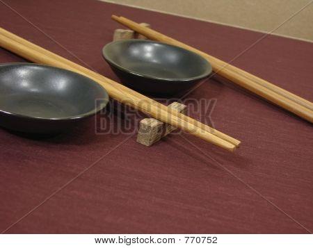 Chopsticks & Sauce Bowls