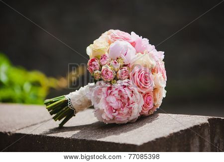 wedding flowers colorful bouquet