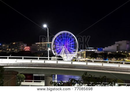 Brisbane Ferris Wheel and Surrounds