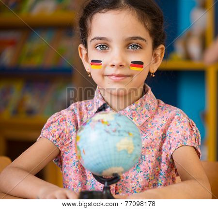 Cute Hispanic Girl Learn Geography