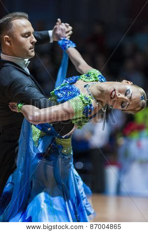 Minsk, Belarus-february 15, 2015: Divtsov Dmitrii And Gribkova Mariya From Turkey -Standard Program