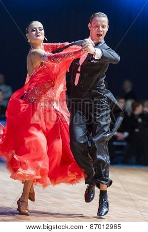 Minsk, Belarus-february 15, 2015: Kolodieiev Yurii And Goncharova Kseniya From Serbia Performs Adult