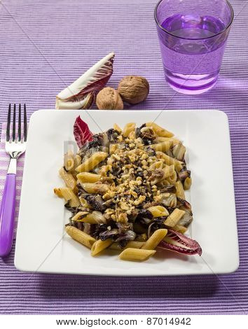 pasta with red chicory and nuts