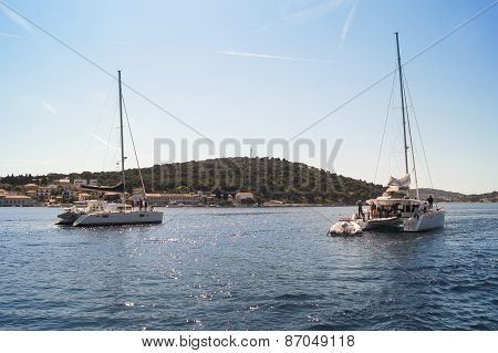 judicial catamarans