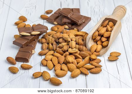 Almond And Milk Chocolate