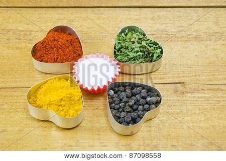 Black Pepper, Paprika, Curry, Basil And Salt