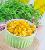 image of sweet-corn  - sweet corn in bowl and on a table - JPG